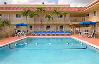 Travelodge Riviera Beach Hotel